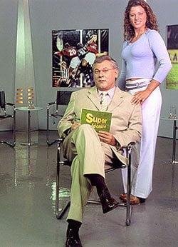 Bianca Russo e Milton Neves, no Super Técnico, em 2000 (Crédito: Terceiro Tempo)