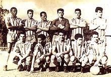 Equipe profissional do Estrela, em 1962. Em pé: Vagalume, Antonio Colitti, Anésio, Coronel e Nêgo. Agachados: Roberto, Soares, Wilson, Dula e Valdir