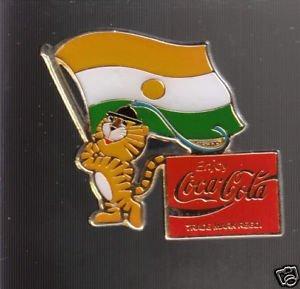 Mascote dos Jogos de Seul-1988 balança bandeira do Níger