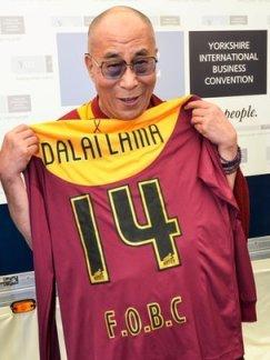 Detalhe que o Dalai Lama nem jogou para o Bradford