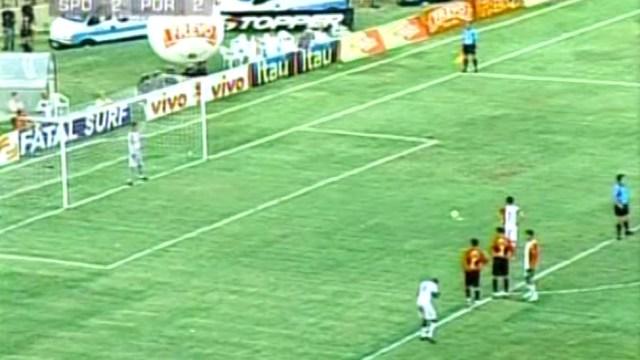 penalti_alex_alves_lusa