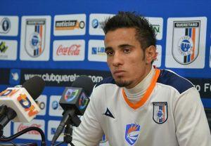 Camilo Sanvezzo, no Querétaro (Crédito: Goal.com)