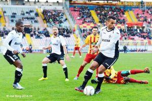 Rodolfo Soares em ação no futebol de Malta (Crédito: Joe Borg/Hibernians)
