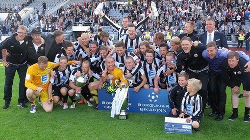 Uniforme do time mais tradicional da Islândia tem influência do Newcastle, que tem 122 anos