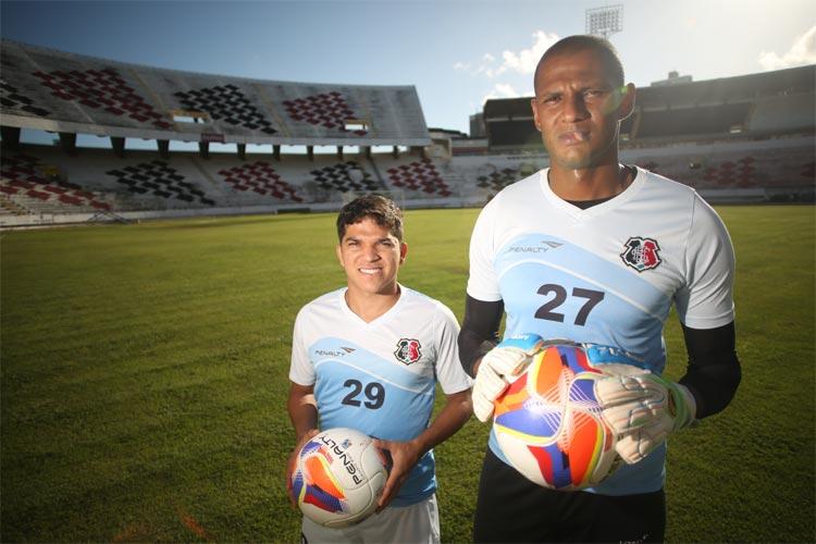 Renatinho e Thiago nunca largaram o Santa Cruz desde 2011