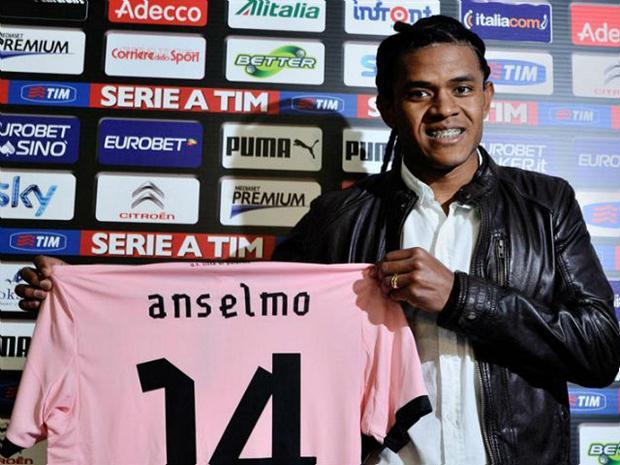 Anselmo já jogou no Palermo, da Itália