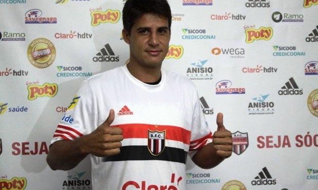 Moradei no Botafogo-SP