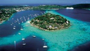 Ilha do arquipélago de Vanuatu, habitado por pouco mais de 200 mil pessoas