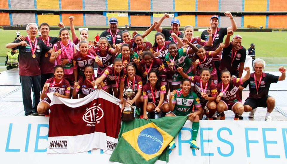 Ferroviária comemora título da Libertadores de 2015