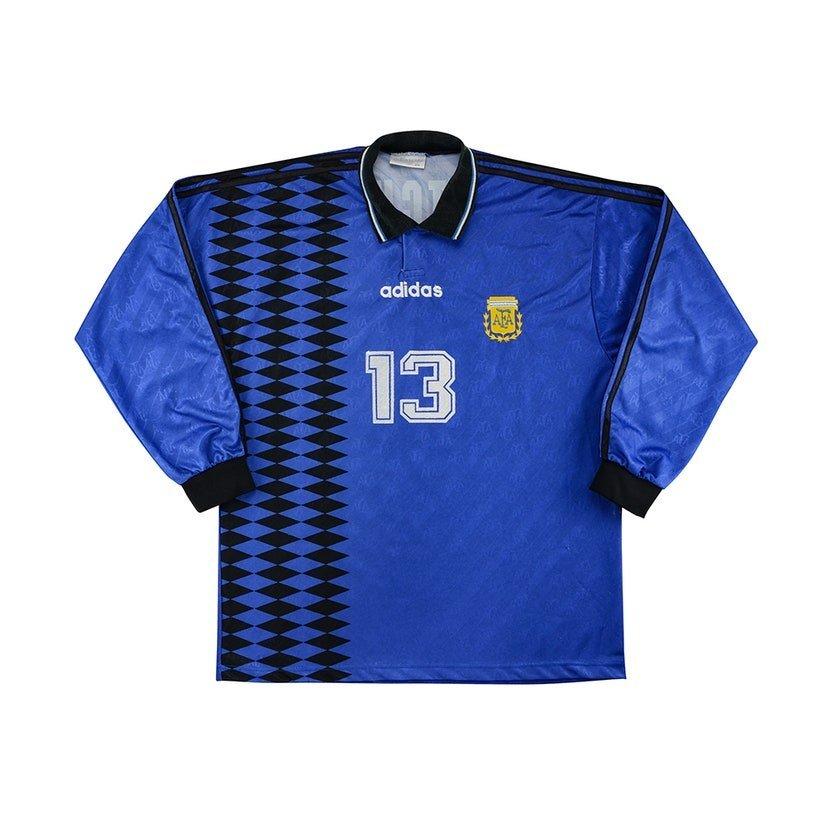 Argentina (camisa reserva, de 1994): 299,99 libras (R$ 1966,04)