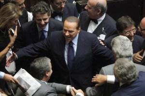 Berlusconi-brinda-alla-fiducia-con-quattro-nuove-nomine-al-Governo-638x425 (1)