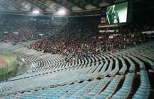 """Roma punita per i """"cori discriminatori"""" durante l'incontro col Napoli di Coppa Italia: 2 giornate di campionato a """"curve chiuse"""""""