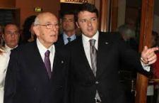 Renzi fa fuori Saccomanni e la Bonino. I dicasteri ridotti a 16. Il nuovo ministro all'Economia, Padoan, torna da Sydney. Esclusi i centristi Popolari per l'Italia e Tabacci