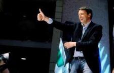 Letta si andrà a dimettere con l'amaro in bocca. Renzi prende  il rischio e decide che é il suo momento a Palazzo Chigi. Il Pd l'appoggia con 136 voti contro 16.