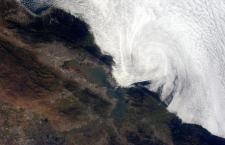 """Dalla Cristoforetti una foto """"meteo"""" sulla costa della California"""