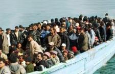 I migranti superstiti a Catania. Arrestati i due scafisti