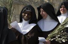 Suore disobbedienti? Papa Francesco chiude subito l'indagine sulle sorelle americane
