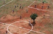 """La nuova bufera sul calcio italiano. Dai campi """"polverosi"""" di periferia ai miliardiari diritti tv"""