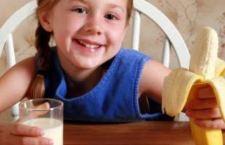 Allarme sulla quantità di zucchero negli snack a base di frutta per bambini