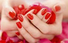 Il Governatore di New York interviene per difendere le manicure dai rischi dei saloni di bellezza