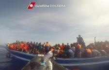 Scontro tra Governo e Lega su accoglienza migranti. Renzi: incentivi a chi li accetta