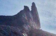 Il terribile terremoto della Malaysia ha deturpato una famosa vetta dove sono bloccati centinaia di alpinisti