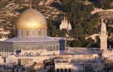 Scontri a Gerusalemme. Israeliani irrompono nella Moschea al-Aqsa e provocano proteste in tutto il mondo islamico