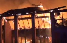 Violento incendio alla Città della Scienza di Parigi. E' il museo più grande del mondo