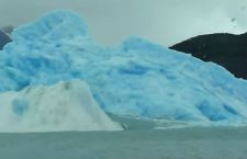 Enorme iceberg di 12,5 km quadrati alla deriva nella stessa zona di quello del Titanic