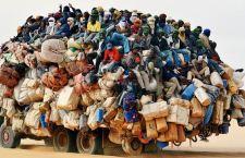 Migranti: la Chiesa invita a guardare le responsabilità di tutti, personali e collettive. Duro intervento di don Giulio Albanese sui finanziamenti occidentali ai gruppi jihaidisti per fomentare il caos