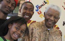 Nipote di Mandela accusato di stupro di una ragazza di 15 anni. Il cugino aveva appena aggredito un professore
