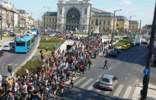 Migranti: accolti in Germania. I britannici tra accoglienza e voglia di guerra. La Russia sta a guardare?
