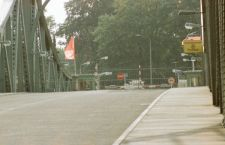 Russia Estonia, come al tempo della cortina di ferro, si scambiano due spie su un ponte