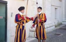 Vaticano: al via il processo per la sottrazione dei documenti del Papa