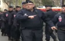 Parigi sotto attacco dell'estremismo islamico. Decine i morti in tre sparatorie. 60 sequestrati