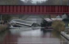 Francia: bambini  a bordo del treno deragliato a 350 km orari. Morti 11. 5 dispersi. 30 feriti