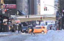 Usa:  tempesta di neve sconvolge Chicago. Vari stati in emergenza