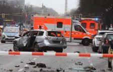 Berlino: auto salta in aria in viaggio. Non è terrorismo