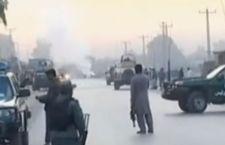 Afghanistan: kamikaze uccidono 12 reclute della polizia. 4 attentatori suicida muoiono in Russia