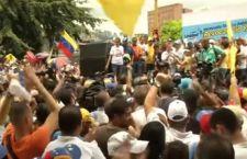 Venezuela: Maduro vuole sequestrare le fabbriche. Clima da guerra civile