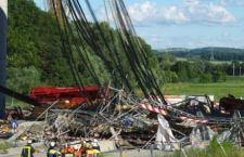 Germania: crolla ponteggio. Travolti 20 operai. 2 morti. 6 gravi