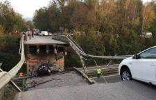 Crolla cavalcavia sulla Milano Lecco. Molti feriti, si temono morti