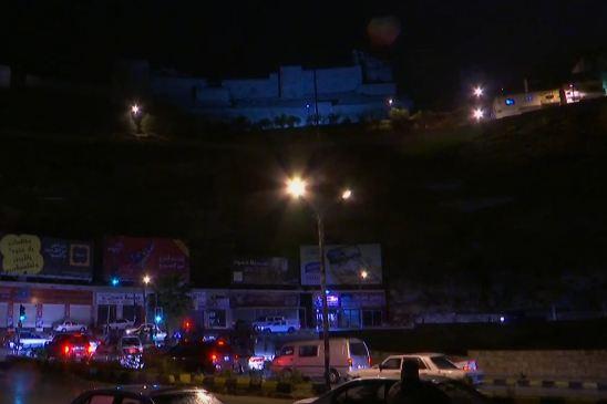 Polizia sotto attacco in Giordania: cinque morti