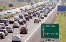 Ancona: crolla ponte su autostrada. Forse alcuni morti