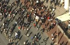 Usa: violenze dopo assoluzione poliziotto bianco che uccise nero