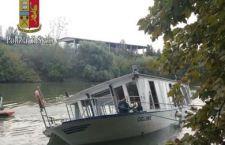 Roma: battello rischia di affondare nel Tevere  con 70 a bordo