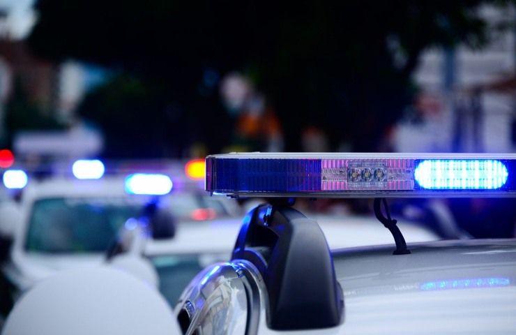Dramma sulla statale, scontro frontale tra due mezzi: un morto