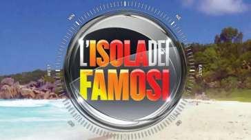 """Isola dei Famosi, la confessione dell'ex naufraga: """"Non mi sono ancora ripresa"""""""