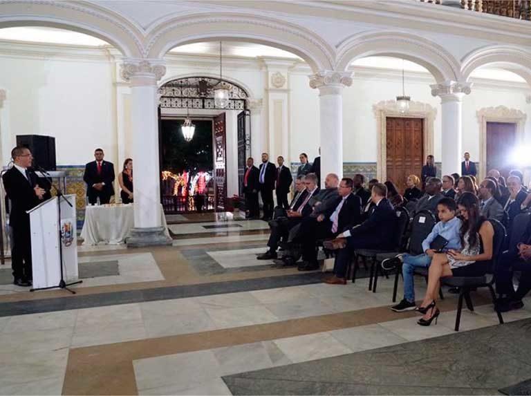 Canciller Arreaza encabezó cierre de año diplomático