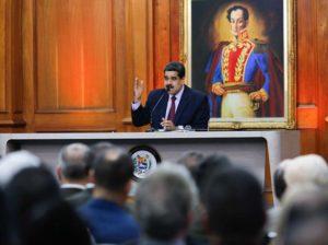 Maduro insta a expandir ideario bolivariano en centro académicos del país